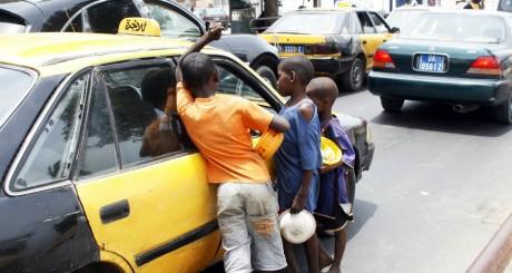 Enfants de rue, Dakar, avril 2010 / AFP
