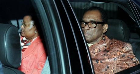 Mobutu et son épouse Boby Ladawa, décembre 1996, peu de temps avant sa chute / REUTERS