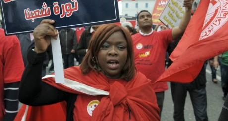 Manifestation dans les rues de Tunis, 1er mai 2013 / AFP