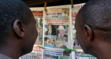 Kiosque à journaux, Bamako, janvier 2013 / REUTERS