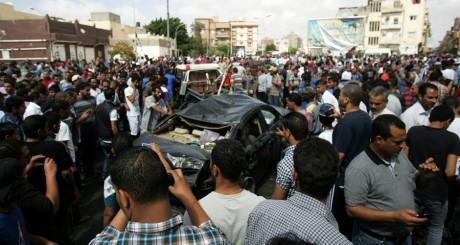 L'épave de la voiture qui a explosé le 13 mai à Benghazi /AFP