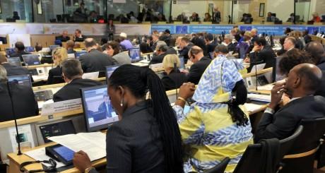 Des participants à la conférence de Bruxelles, 15 mai 2013 / AFP