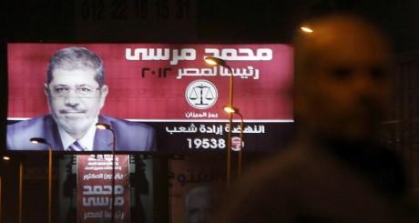 Affiche de campagne de Mohammed Morsi, mai 2012 / REUTERS