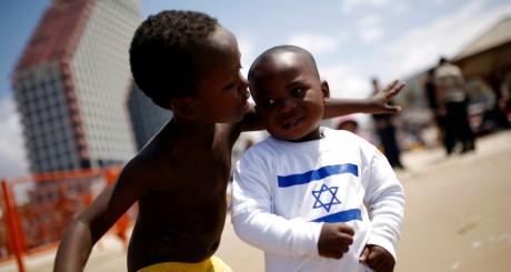 Enfants d'immigrés, Tel Aviv, 16 avril 2013. le REUTERS/Amir Cohen