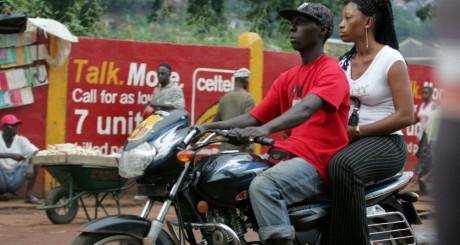 Moto-taxi en Sierra leone / AFP