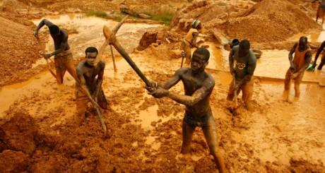 Mine d'or à ciel ouvert près de Dunkwa, 2011 / REUTERS