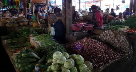 Un étal de marché à Manakara, Madagascar / Flickr CC
