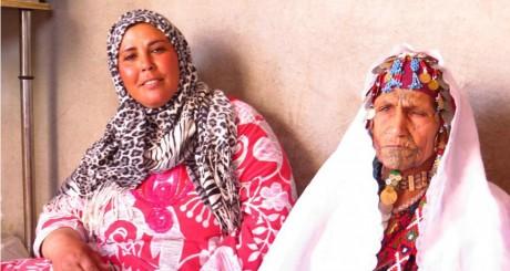Deux femmes rencontrées au village Gezirat Fadel. ©Sophie Anmuth
