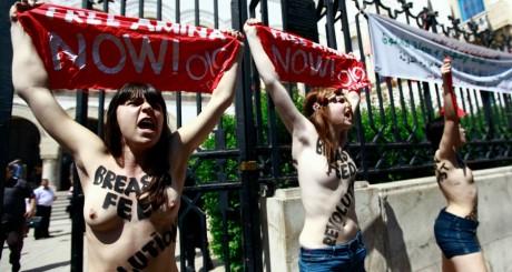 Manifestation des activistes Femen devant le ministère de la Justice, le 29 mai 2013. REUTERS/Anis Mili