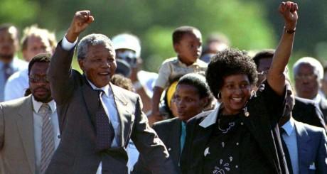 Nelson Mandela à sa sortie de prison, 11 février 1990 / Reuters