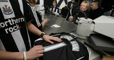 Maillots de l'équipe de Newcastle / REUTERS
