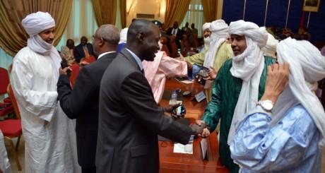 Négociations entre les autorités de Bamako et les Touaregs de Kidal, le 18 juin, à Ouagadougou. AHMED OUOBA / AFP