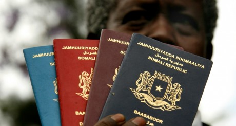 Passeports somaliens. REUTERS/Finbarr O'Reilly