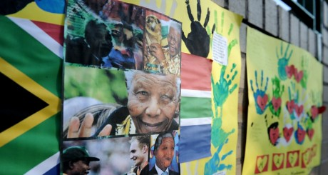 Collage de photos de Nelson Mandela, 24 juin 2013 / AFP