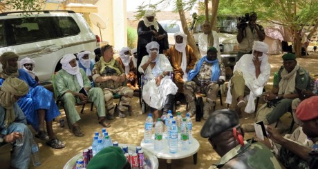 Délégation malienne, Kidal, 23 juin 2013. REUTERS/Adama Diarra