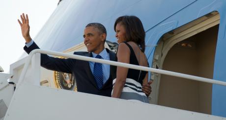 Barack et Michelle Obama, à leur départ pour le Sénégal, 26 juin 2013 / AFP