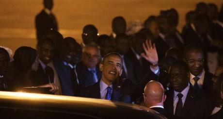Barack Obama à son arrivée à Dakar, 26 juin 2013 / Reuters