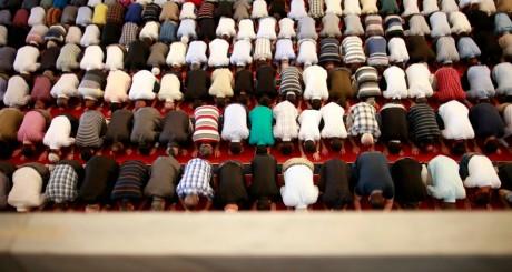 Prière de musulmans, mosquée d'Ankara, Turquie, juin 2013 / Reuters