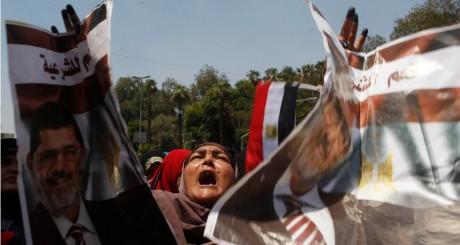 Manifestants pro-Morsi au Caire, le 5 juillet 2013 / REUTERS