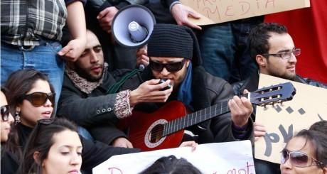 Etudiants pendant les manifestations de 2011 à El Kef, le 9 février 2011 / REUTERS