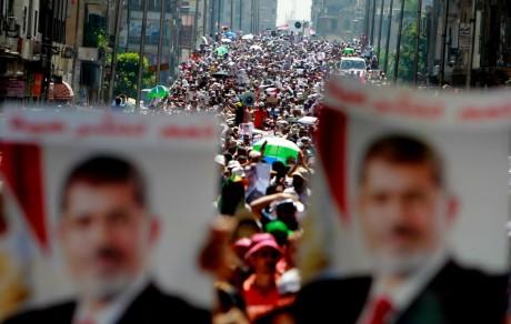 Manifestation des partisans du président déposé Mohammed Morsi, le 30 juillet 2013 au Caire. REUTERS/Mohamed Abd El Ghany