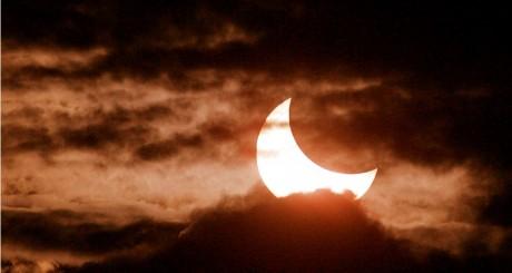 Croissant de lune, 2005 / REUTERS