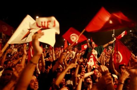 Manifestations anti-gouvernementale, le 6 août, à Tunis. REUTERS/Anis Mili