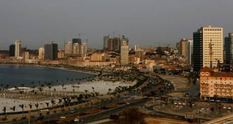 Vue de Luanda, 2012 / REUTERS