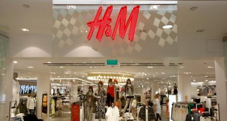 Enseigne d'un magasin H&M, Suède, 7 mai 2013 / REUTERS