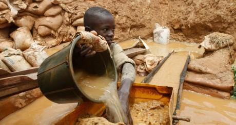 Jeune mineur nigérian, 22 août 2013 / REUTERS