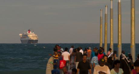 Navire approchant les côtes mauriciennes / Reuters