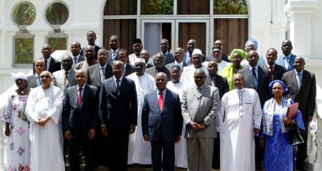 Photo de famille du nouveau gouvernement malien/ AFP