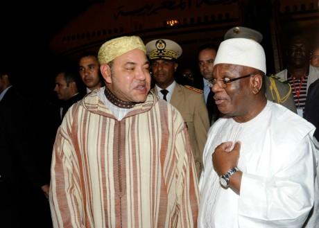 Le président malien Ibrahim Boubacar Keïta et le roi du Maroc Mohammed VI, Bamako, le 19 septembre 2013. HABIBOU KOUYATE / AFP