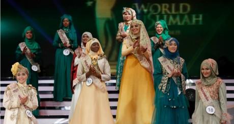 Finalistes du concours World Muslimah, Jakarta, 18 septembre 2013 / REUTERS