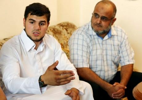 Abdallah al-Raghie, le fils d'Abou Anas al Libi, s'adresse à la presse, 6 octobre 2013, Tripoli. REUTERS/Stringer