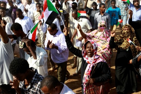 Manifestation contre le gouvernement, le 4 octobre 2013, Khartoum. / REUTERS/Stringer