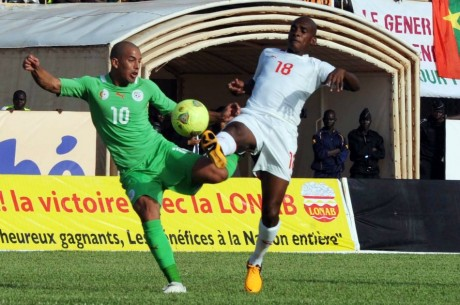 Match Burkina Faso-Algérie, le 12 octobre 2013. FAROUK BATICHE / AFP