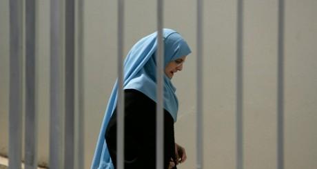 Femme voilée à Rabat, Maroc / Reuters