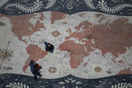 Carte du monde, Lisbonne. REUTERS/Rafael Marchante