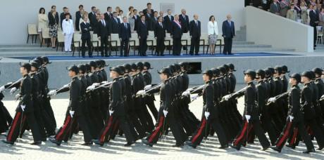 Défilé militaire des élèves de polytechnique à Bastille, REUTERS/Gonzalo Fuentes