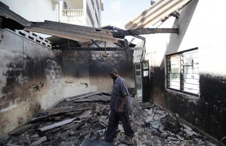 Une église brulée à Mombassa. REUTERS/Thomas Mukoya