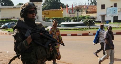 Soldat français dans une rue de Bangui / AFP