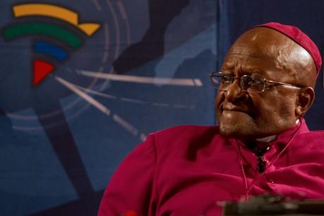 Desmond Tutu lors de son discours à cérémonie d'hommage à Nelson Mandela à Soweto,  REUTERS/Mark Wessels