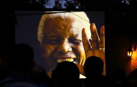 Portrait de Nelson Mandela, à Johannesburg, le 9 décembre 2013. REUTERS/Yannis Behrakis