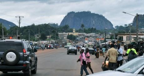 Une rue de Duékoué, Côte d'Ivoire, avril 2012 / AFP