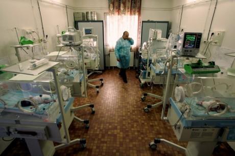Hôpital public, Alger, 2007. REUTERS/Zohra Bensemra