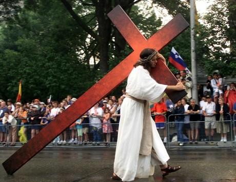 L'acteur Robert Legere en Jésus Christ pendant la journée de la jeunesse à Toronto, REUTERS/JimYoung