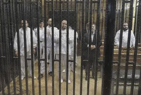 Mohamed Morsi durant la séance du 4 novembre 2013. REUTERS/Stringer