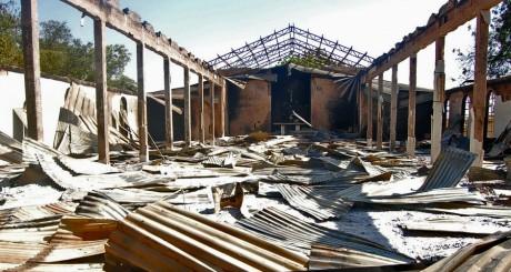 Un bâtiment détruit après une attaque de Boko Haram. REUTERS/Olatunji Omirin