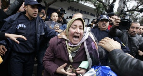 Manifestation anti-4e mandat à Alger, 1er mars 2014 / REUTERS